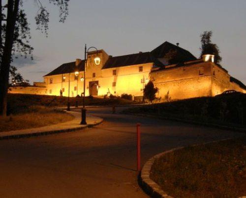 brasov citadel by night