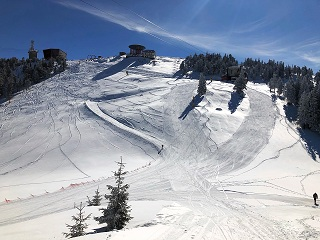 advanced ski slopes from the Postavaru Massif