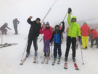 family ski lessons in the Postavaru Massif