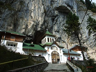 monastery at the entrance of the Ialomicioara cave